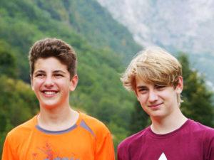 2 teenagers