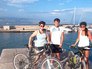 Sutivan bike tours